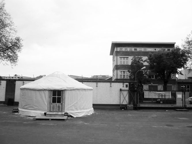 http://larsschmidt.org/files/gimgs/th-45_24yurt-at-uferstudios-berlin_larsschmidtbw.jpg